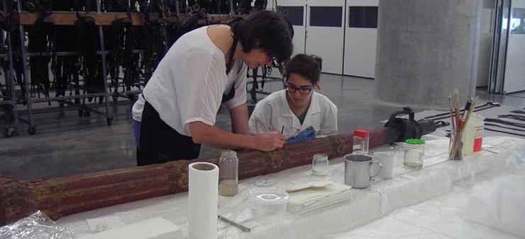 Imagem de voluntários no Museu Nacional dos Coches